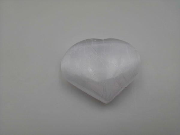 Sélénite blanche forme coeur- Maât Vitae - SELCB1