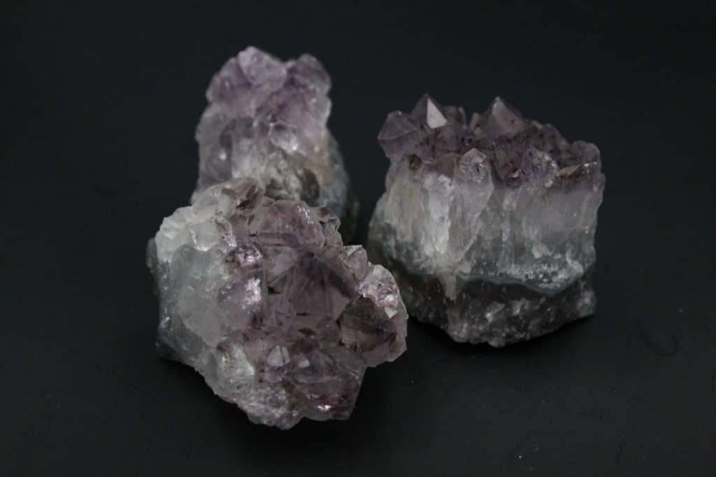 Améthystes pierres semi-précieuses naturelles