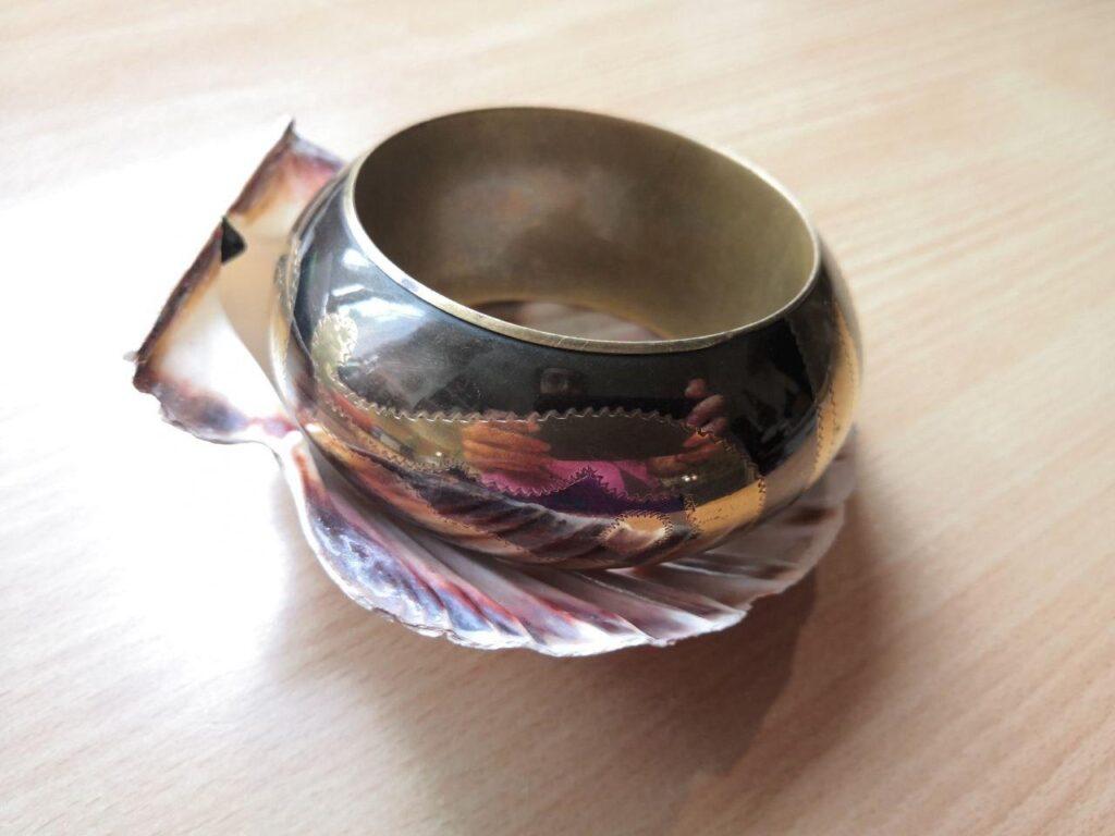 Vertu de la Coquille Saint JAcques : purification des bijoux et objets anciens - Maât Vitae