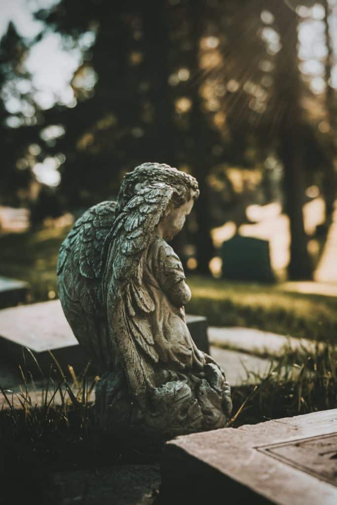 Pierres qui accompagnent les deuils et les émotions